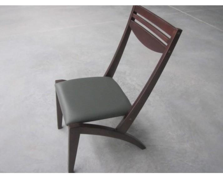 Krzesło z drewna Akacji azjatyckiej