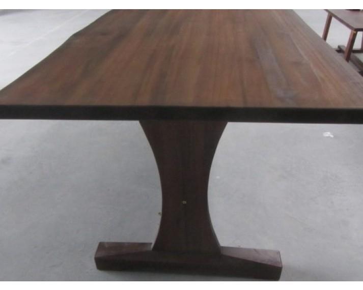 Stół z litego drewna akacji azjatyckiej 1880 x 880 x 750, BM01 z natuaralnym brzegiem Live Edge, olejowany kolorem jasny orzech