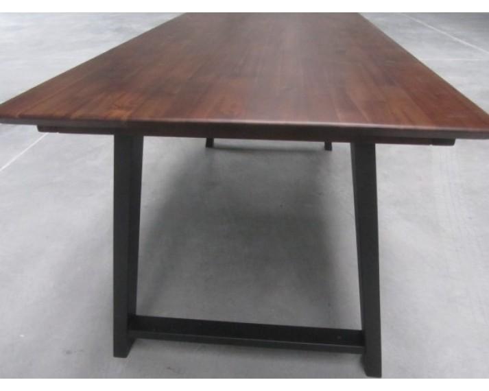Stół industrialny z litego drewna akacji azjatyckiej 1880 x 880 x 750, DTSL M6 nogi stalowe, blat lakierowany kolorem jasny orzech