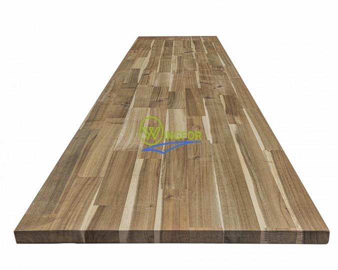 Blat drewniany 100x220x2,4 cm, akacja azjatycka, surowy, o szer. 100 cm, dł. 220 cm i gr. 2,4 cm.