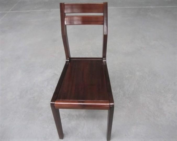 Krzesło kolor orzech z drewna Akacji azjatyckiej