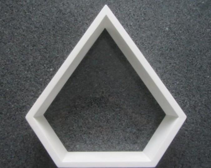 Półka dekoracyjna biała Diamond z drewna akacji 41x33 cm